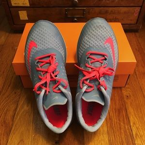 NIKE | Fitsole Running Shoes in Gray and Neon pink